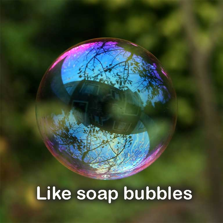 Soap bubble - commons wikimedia - Alvesgaspar